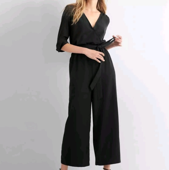 c62a4b3108d1 GAP black long sleeve wrap jumpsuit